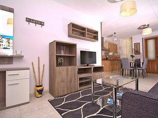 Esperanza-Central big 3 bedroom flat to Mercado,Barrio with view to Sta Barbara