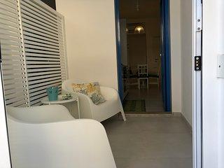 Casa Sabir-Appartamento Simuni. Delizioso bilocale con verandina in centro