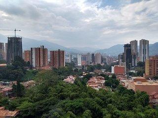 Cómoda habitación privada Sabaneta,15 min Poblado Medellin