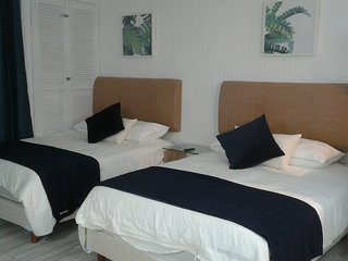 NEWLY  REMODELED OCEAN VIEW SUITE