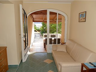Apartment Frankic (I) 30 m from the sea