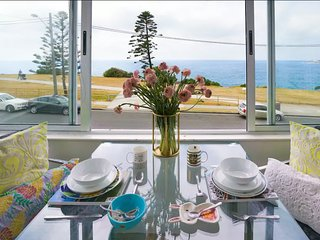 ★WATERFRONT 1 BED APARTMENT AT MAROUBRA BEACH★