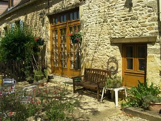 Converted Stone Barn , Tranquil Rural Location, Beautiful Views,