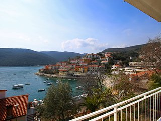 Modern apartment in the port of Rabac 37