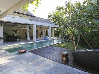 Seminyak-Umalas Luxury Villa Chi 2