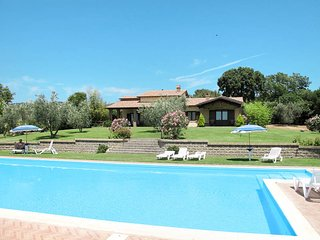 6 bedroom Villa in Staccionato, Latium, Italy : ref 5622999