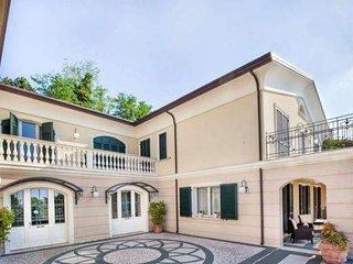 Villa Montescudo con 4 camere e 4 bagni max 12 persone