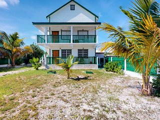 Entire duplex w/ patio, balcony & free WiFi - 150 feet from a Caribbean beach!
