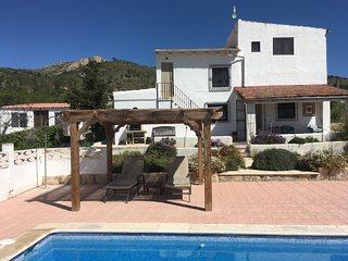 Rural apartment with private pool, ideal for couples, lone travellers.