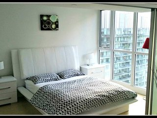 Signature 1 BR Suite at Entertainment District - 3510