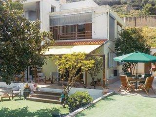 Seaside villa - 5 Bedrooms