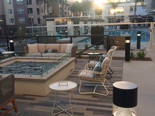 Modern Luxury 2 Bedroom 2 Bath Near Disneyland And Angel Stadium