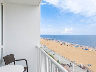Boardwalk Resort and Villas - 1 BR deluxe oceanfront condo for 4th of July week