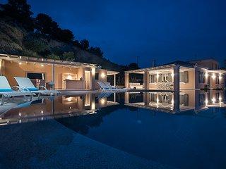 Elegant Villa Apolonas