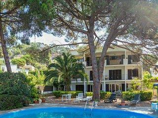 Appartement avec piscine et jardin communitaire, calme