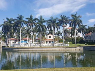 Stunning Highly Requested Condo in Isla del Sol, St. Pete