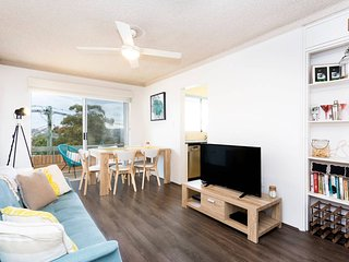 Newly Furnished Designer Home - Close to Beaches!