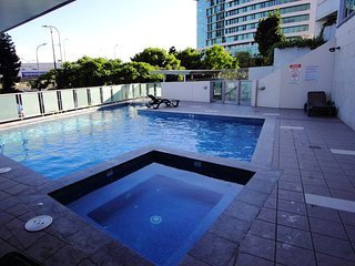 2 Bedroom City Pad With Parking and Pool