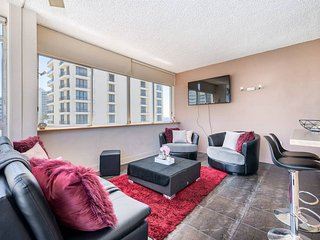 Beautiful Two Bedroom Pad in Surfers Paradise
