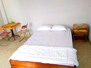 Local hostel for travellers or packbackers - Bedroom 1 sleeps 1