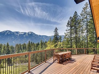 Amazing Lake Views|Private Mountain Home,Game Rm,Hot Tub, Near Lake Cle Elum