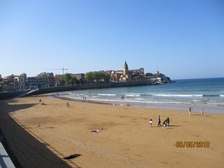 gijon playa y descanso