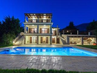 Aspa's Verde Palazzo Villa - Luxury Villa in Trapezaki