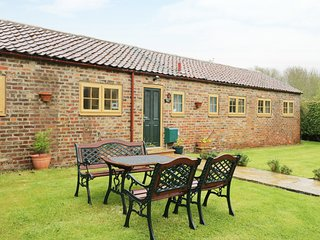 SHEPHERD'S COTTAGE all ground floor, family-friendly, near to coast in Bridlingt