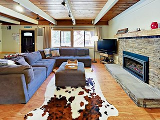 Remodeled 4BR w/ Game Room & Backyard Fire Pit - 1 Block to National Forest
