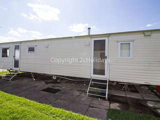 8 Berth Caravan in California Cliffs Holiday Park Ref: 50034 Fulmar