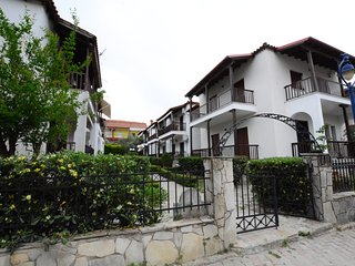 R145 Apartment in the center of Pefkohori.