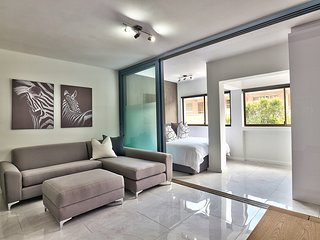 Beautifully renovated apartment close to shops.... Middlehof