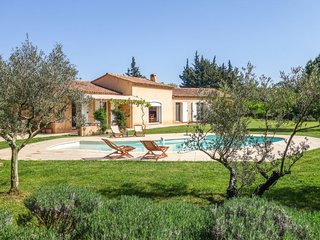 3 bedroom Villa in Fontvieille, Provence-Alpes-Cote d'Azur, France : ref 5623924