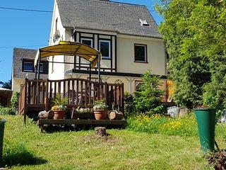Haus Lowe Ferienwohnung Burgunder