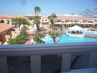 Luxus doublex seafront apartment with huge terace in Tenerife Royal Gardens