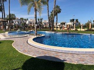 La Florida 1st Floor Apartment with Communal Pool