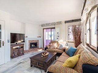 2 bedroom apartment in Puerto Banus with sea views