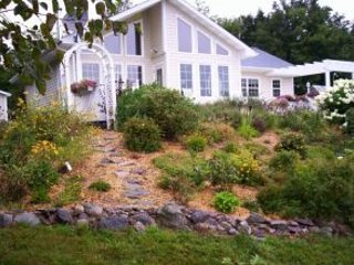 Secluded Cape Breton Nova Scotia Ocean Front Vacation Home, aluguéis de temporada em Isle Madame