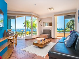In sunny Madalena do Mar bay, 1-Bedroom spacious A/C apartment – Golden Sun