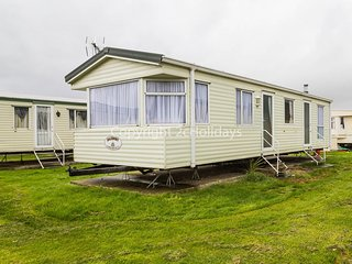 6 Berth Caravan in St Osyths Holiday Park. Ref:28021