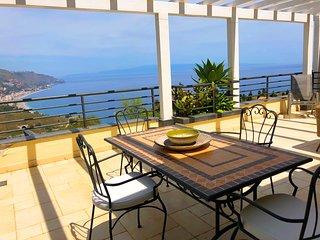 TAORMINA PANORAMIC PENTHOUSE  Pool  Sea View Terrace  Free Parking Taormina