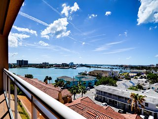 Belle Harbor 703W Charming Condo with Vibrant View of the Intercoastal Waterway.