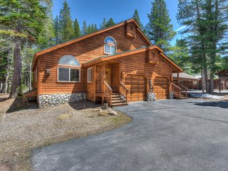 Desirable Tahoe Donner Home w/ HOA Amenities