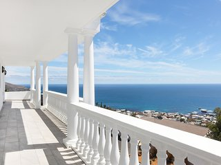 Camps Bay 4 bedroom home with amazing views