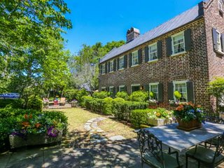 Elegantly restored, historic guesthouse in downtown Charleston with secluded, pa