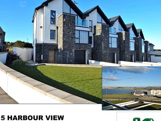 Fantastic Sea View Townhouse