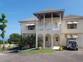 Mango Walk Manor Soursop Suite - Very Spacious