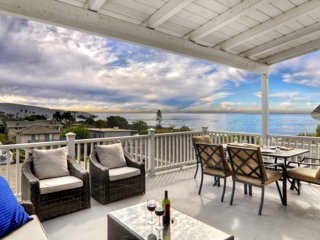 2 BR Ocean View Home Half a block from the Beach in North Laguna-Upper Level