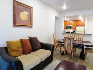 3 Bed/2 Bath Beautiful Apartment In Reseda