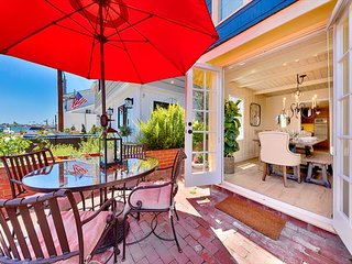 Perfect Balboa Island Getaway, Updated Cottage, Large Patio